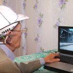 さすがロシア!71歳男性がオンラインゲームでバリバリの腕前を披露