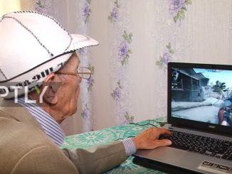 カウンター・ストライクを冷静で自信満々にプレイする、ロシアのおじいちゃん