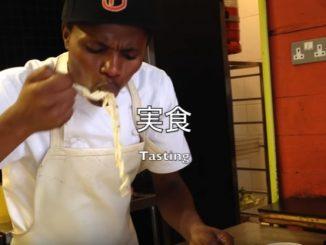 まずは首都ナイロビの料理屋さんに、日清「赤いきつね」と「緑のたぬき」を試食してもらう