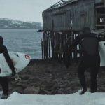 これはクレイジー!地球上で最も寒い場所でサーフィンする男たち