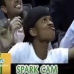 NBA会場がダンスステージに?ハーフタイムに観客席で踊る男の子がすごい