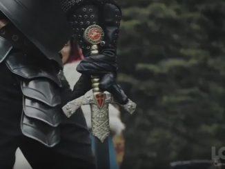 みんなで探し出した伝説の剣をいよいよ引き抜く勇者